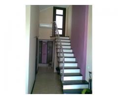 Продается в Севастополе 3-х комн-я двухуровневая квартира Малахов курган