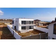 Современный новый дом с дизайнерским ремонтом и видом на море