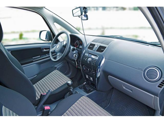 Продаю автомобиль SUZUKI SX-4 1.6 MT 2WD - 2/4